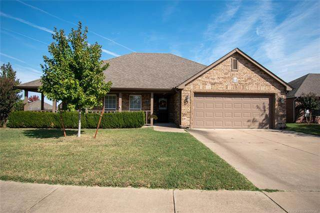 9901 N 103rd East Court, Owasso, OK 74055 (MLS #2037719) :: Active Real Estate