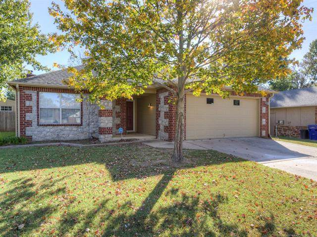 1217 S 32nd Street, Broken Arrow, OK 74014 (MLS #2037961) :: 918HomeTeam - KW Realty Preferred