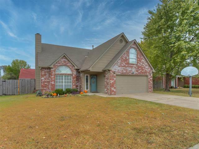 1802 S Fir Place, Broken Arrow, OK 74012 (MLS #2037994) :: Hometown Home & Ranch