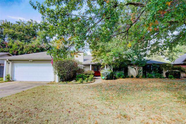 6025 E 56th Place, Tulsa, OK 74135 (MLS #2038066) :: 918HomeTeam - KW Realty Preferred