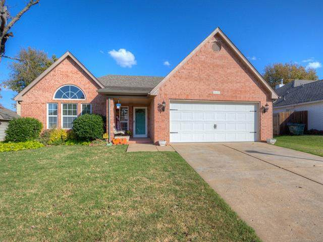 3603 S Christine Lane, Sand Springs, OK 74063 (MLS #2038174) :: RE/MAX T-town