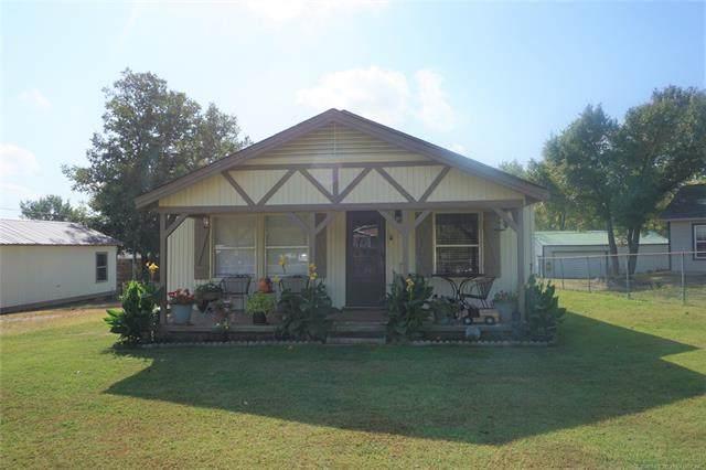 801 E 6th Street, Dewar, OK 74437 (MLS #2038359) :: Hometown Home & Ranch