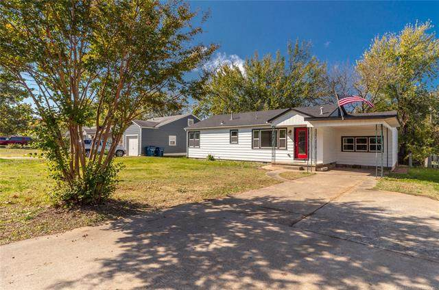 1205 S 14th Street, Mcalester, OK 74501 (MLS #2038405) :: 918HomeTeam - KW Realty Preferred