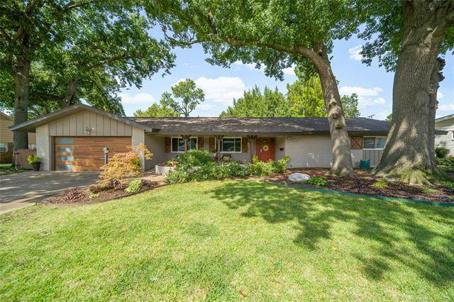 3715 E 47th Place, Tulsa, OK 74135 (MLS #2038440) :: 580 Realty