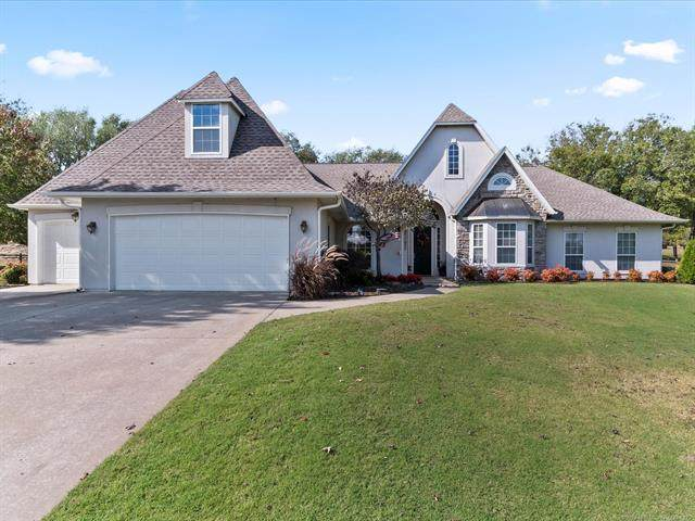 23020 S Biswell Drive, Claremore, OK 74019 (MLS #2038441) :: Hometown Home & Ranch