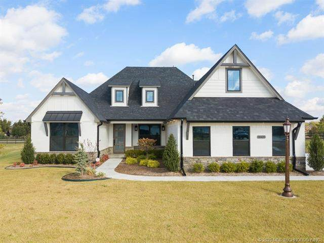 18421 E Persimmon Lane, Owasso, OK 74055 (MLS #2038582) :: Hometown Home & Ranch