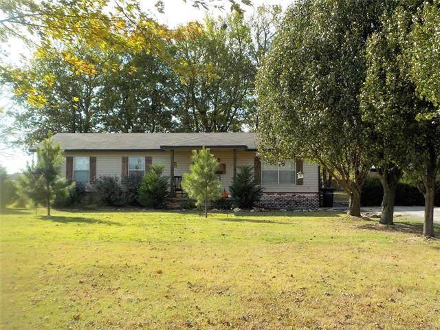 53 Plantation Estates Lane, Pryor, OK 74361 (MLS #2038594) :: Hometown Home & Ranch