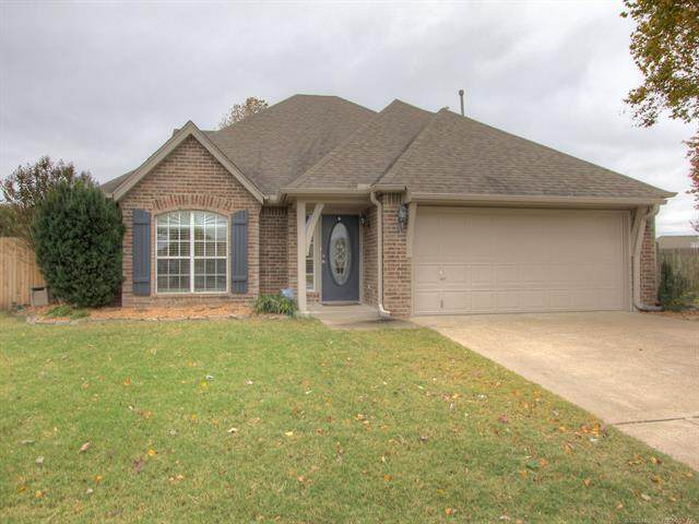 11715 S Holley Court, Jenks, OK 74037 (MLS #2038603) :: RE/MAX T-town