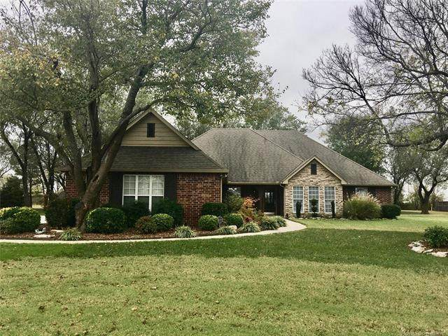 16100 E 120th Street North, Collinsville, OK 74021 (MLS #2038641) :: Hometown Home & Ranch