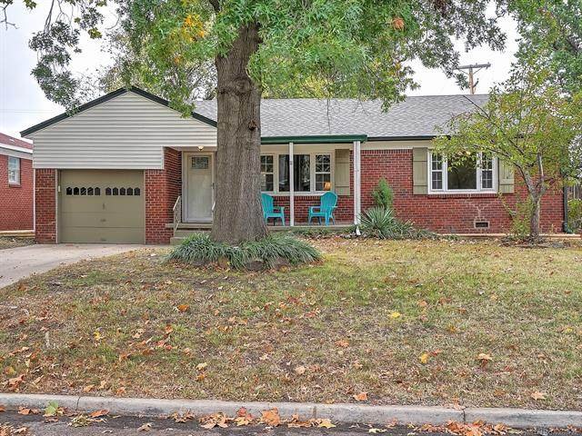 2637 S Winston Avenue, Tulsa, OK 74114 (MLS #2038691) :: Hometown Home & Ranch