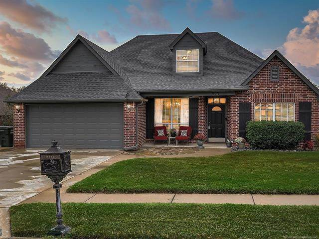 9917 E 100th Place N, Owasso, OK 74055 (MLS #2038697) :: Hopper Group at RE/MAX Results
