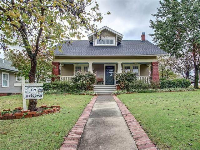 1321 W Oak Street, Collinsville, OK 74021 (MLS #2038720) :: Hopper Group at RE/MAX Results