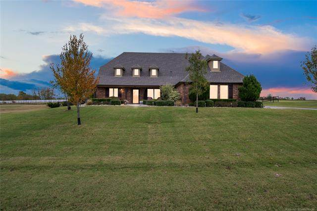 8283 N 72nd East Avenue, Owasso, OK 74055 (MLS #2039047) :: Hopper Group at RE/MAX Results