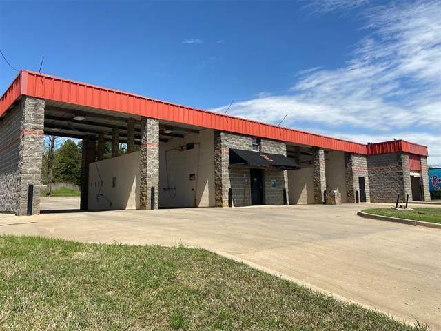 708 E Poplar Street, Fort Gibson, OK 74434 (MLS #2039059) :: 918HomeTeam - KW Realty Preferred