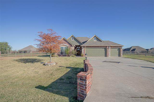 5933 E 137th Street North, Collinsville, OK 74021 (MLS #2039260) :: Hopper Group at RE/MAX Results