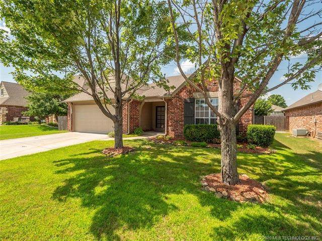 1123 W 119th Street S, Jenks, OK 74037 (MLS #2039320) :: Hopper Group at RE/MAX Results
