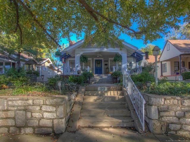 1717 E 14th Place, Tulsa, OK 74104 (MLS #2039346) :: 580 Realty