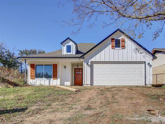 916 N Brown Street, Sapulpa, OK 74066 (MLS #2039460) :: Hometown Home & Ranch