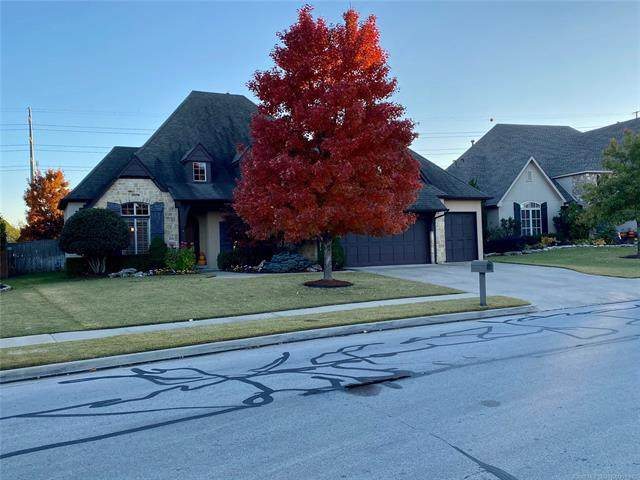 724 W 79th Street, Tulsa, OK 74132 (MLS #2040024) :: Hopper Group at RE/MAX Results
