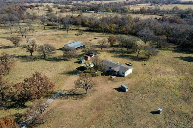 33197 N County Road 3152, Elmore City, OK 73433 (MLS #2040458) :: Hometown Home & Ranch