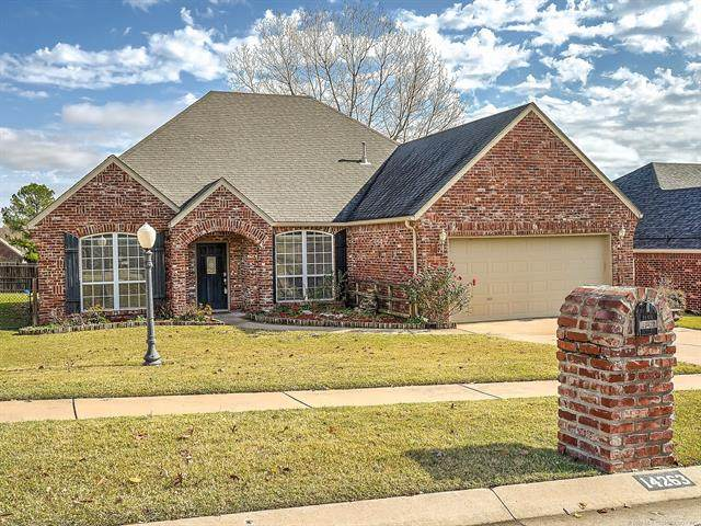 14263 N 106th East Avenue, Collinsville, OK 74021 (MLS #2040554) :: Hometown Home & Ranch