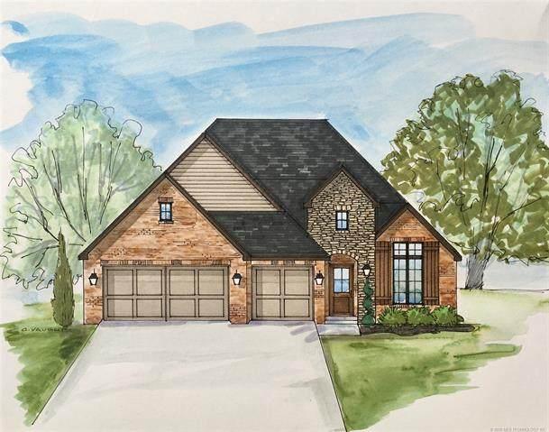 8621 S Phoenix Avenue W, Tulsa, OK 74132 (MLS #2040660) :: Hometown Home & Ranch