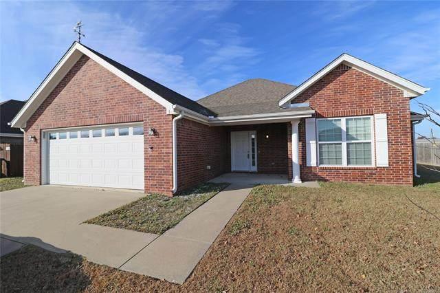 915 Terri Drive, Bartlesville, OK 74006 (MLS #2040869) :: Hometown Home & Ranch
