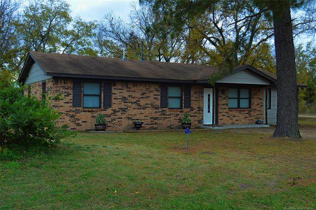 302 E 3rd, Wapanucka, OK 73461 (MLS #2041284) :: Hopper Group at RE/MAX Results