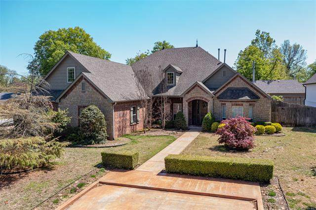 2946 E 27th Street, Tulsa, OK 74114 (MLS #2041318) :: 918HomeTeam - KW Realty Preferred