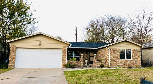 11917 E 27th Street, Tulsa, OK 74129 (MLS #2041566) :: RE/MAX T-town