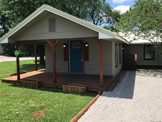 1200 N 10th Street E, Sapulpa, OK 74066 (MLS #2041594) :: 918HomeTeam - KW Realty Preferred