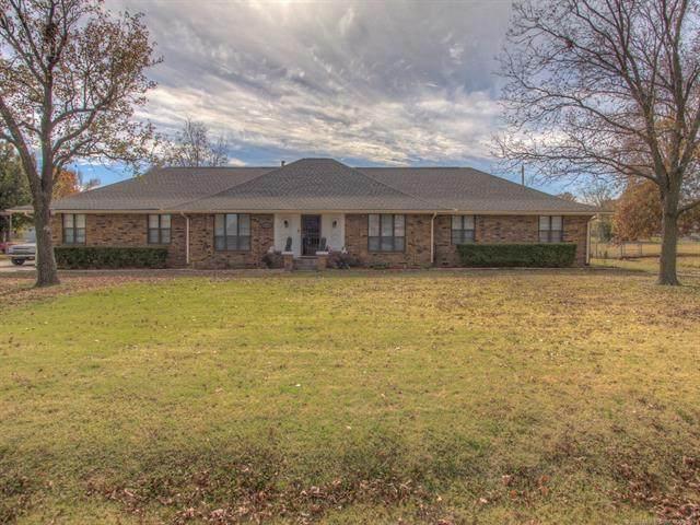 8234 E 37th Street, Tulsa, OK 74145 (MLS #2041725) :: Hometown Home & Ranch