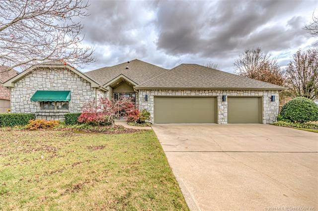 2922 Versailles Place, Bartlesville, OK 74006 (MLS #2042032) :: RE/MAX T-town