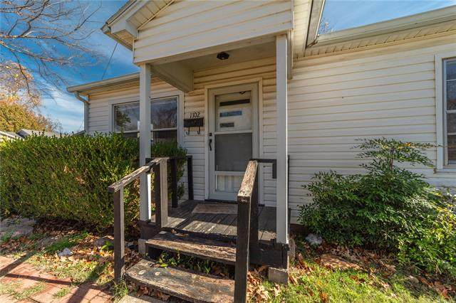 1102 S 8th Street, Mcalester, OK 74501 (MLS #2042049) :: Hometown Home & Ranch
