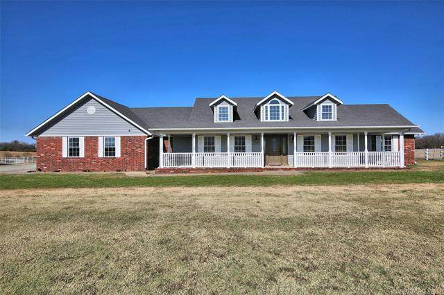 415251 E 1060 Road, Checotah, OK 74426 (#2042087) :: Homes By Lainie Real Estate Group