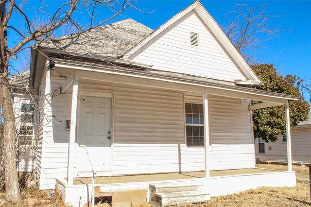 209 3rd NW, Ardmore, OK 73401 (MLS #2042273) :: Hopper Group at RE/MAX Results