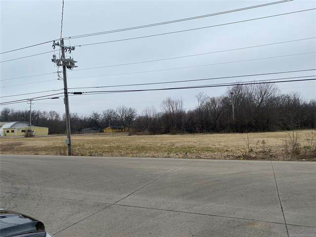 N 11th Street, Muskogee, OK 74401 (MLS #2042315) :: Hopper Group at RE/MAX Results