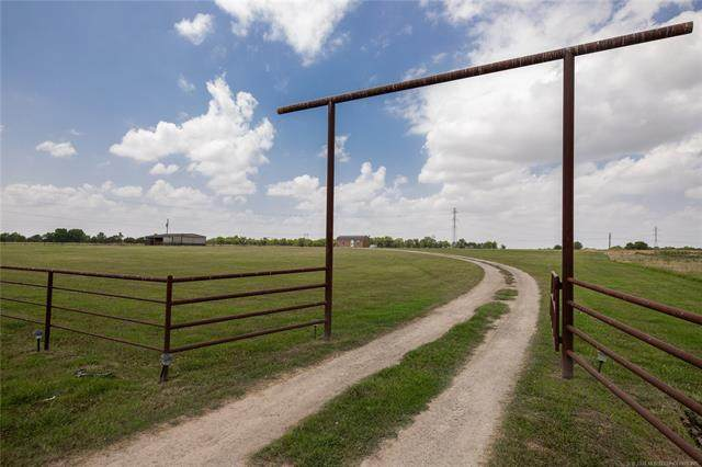9207 E 166th Street North, Collinsville, OK 74021 (MLS #2042420) :: Active Real Estate