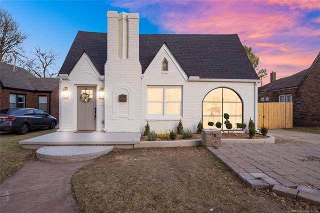 1127 S Gary Avenue, Tulsa, OK 74104 (MLS #2042461) :: 918HomeTeam - KW Realty Preferred