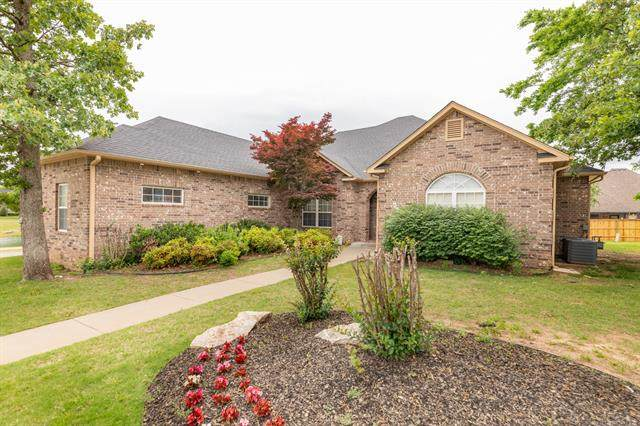 617 W 40th Street, Sand Springs, OK 74063 (MLS #2042504) :: Hopper Group at RE/MAX Results