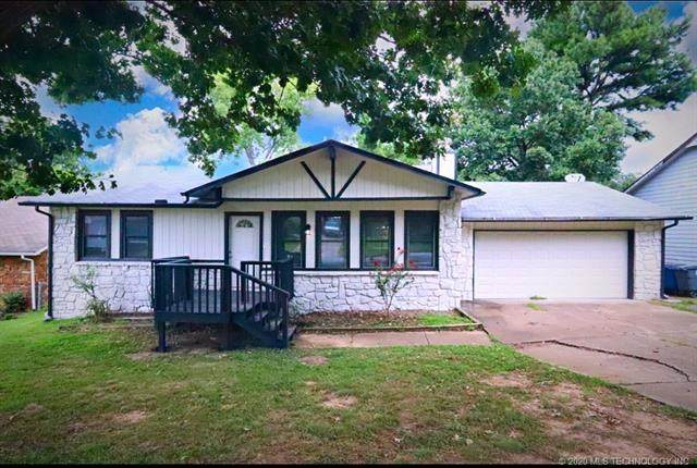 3043 W 70th Street, Tulsa, OK 74132 (MLS #2042516) :: Hopper Group at RE/MAX Results