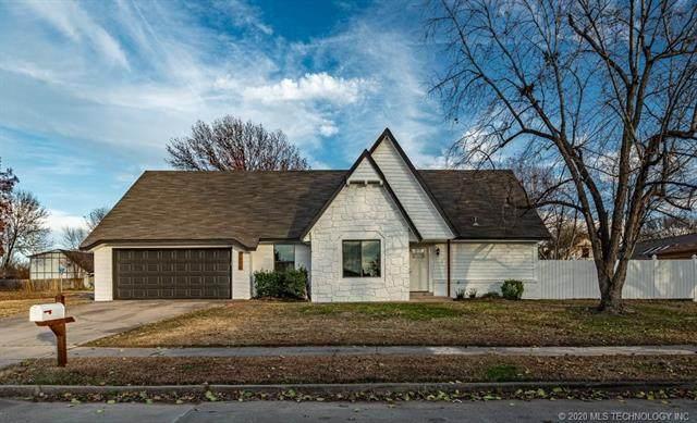 2203 S Hemlock Avenue, Broken Arrow, OK 74012 (MLS #2042582) :: 918HomeTeam - KW Realty Preferred