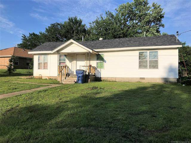 1924 Smith Street, Seminole, OK 74868 (MLS #2042597) :: Hopper Group at RE/MAX Results