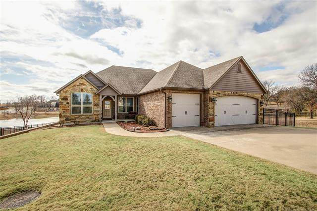 795 W Northlake Drive, Tahlequah, OK 74464 (#2042919) :: Homes By Lainie Real Estate Group