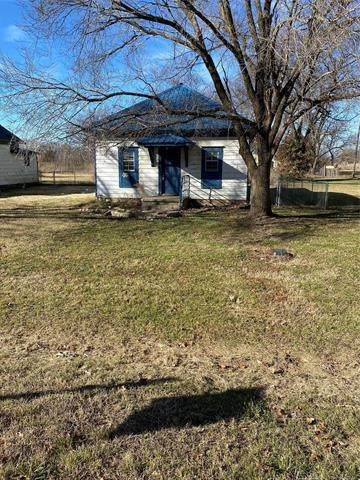 415 Shawnee, Lenapah, OK 74042 (MLS #2043129) :: 918HomeTeam - KW Realty Preferred