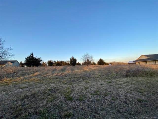Nichols, Sulphur, OK 73086 (MLS #2043269) :: RE/MAX T-town