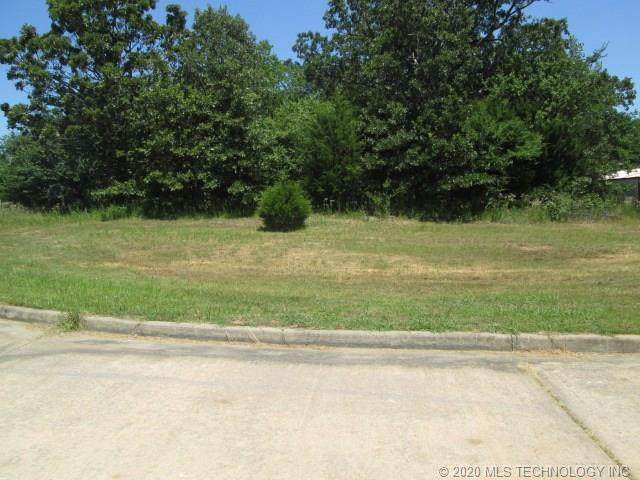 Colonial Court, Fort Gibson, OK 74434 (MLS #2043559) :: 580 Realty