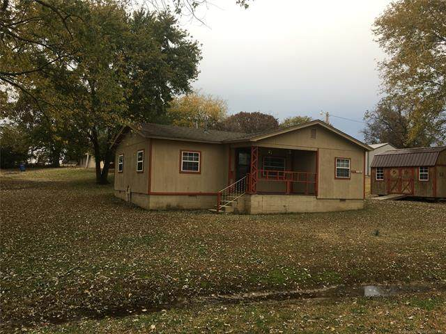 205 Gin Street, Gans, OK 74936 (MLS #2043974) :: Hopper Group at RE/MAX Results