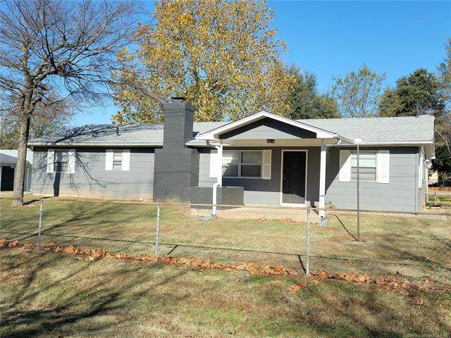 108486 Bounding Main, Checotah, OK 74426 (#2044116) :: Homes By Lainie Real Estate Group