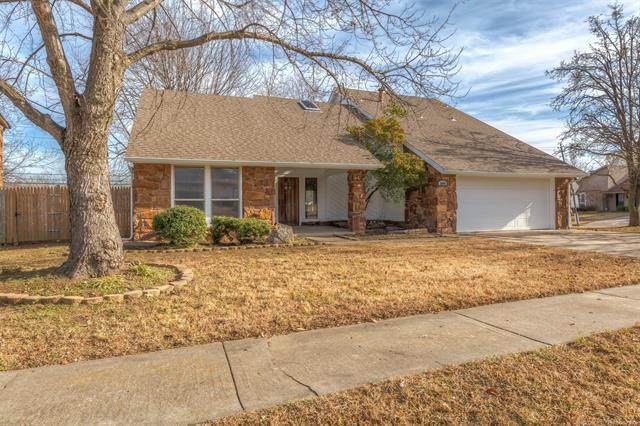 3009 S Aspen Court, Broken Arrow, OK 74012 (MLS #2044195) :: 918HomeTeam - KW Realty Preferred